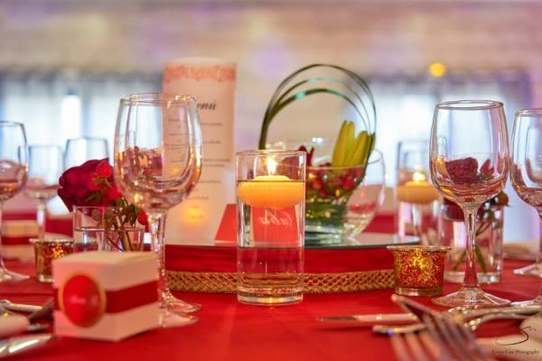 So romantic! Le mariage de C&K en rouge et blanc... 10