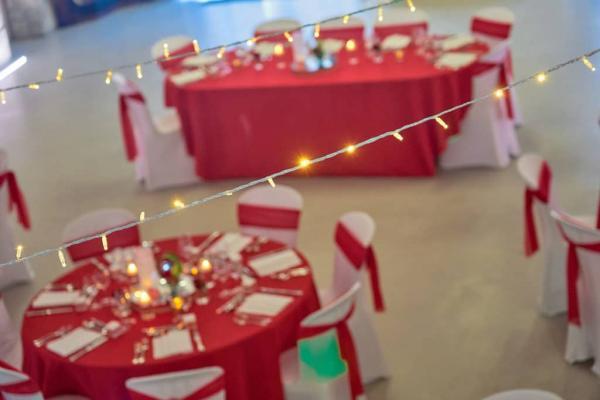 So romantic! Le mariage de C&K en rouge et blanc... 8