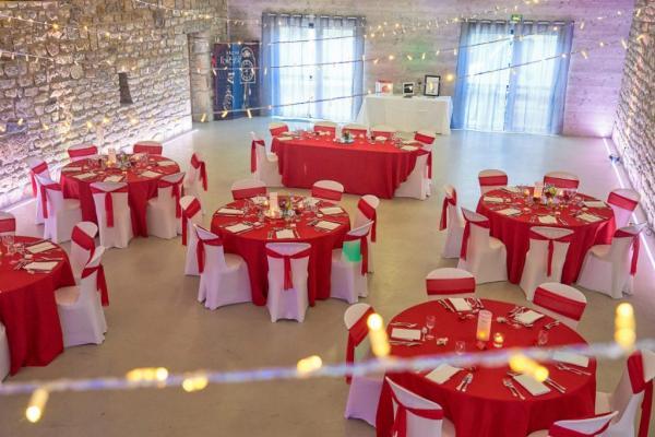 So romantic! Le mariage de C&K en rouge et blanc... 7
