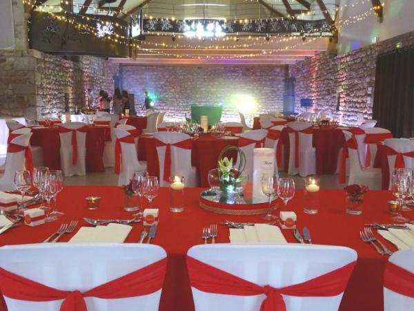 So romantic! Le mariage de C&K en rouge et blanc... 2