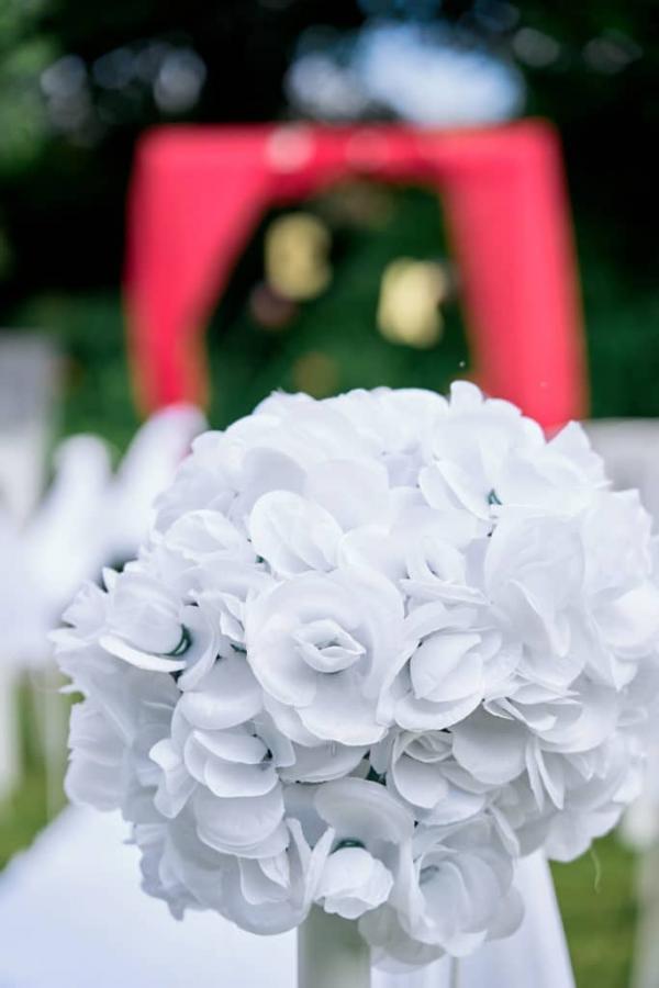 So romantic! Le mariage de C&K en rouge et blanc... 12