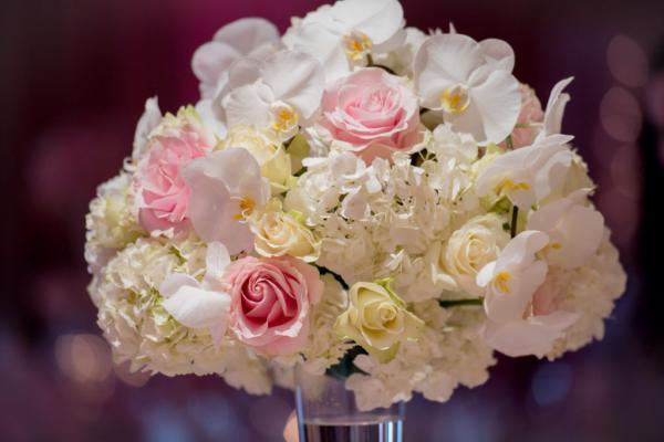 Le pouvoir des fleurs! Le mariage chic et fleuri de K&R 2