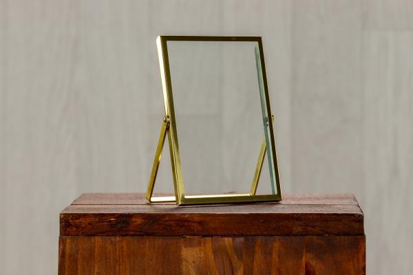 Cadre en verre et métal doré 1