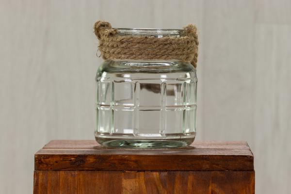 Lanterne en verre avec cordage