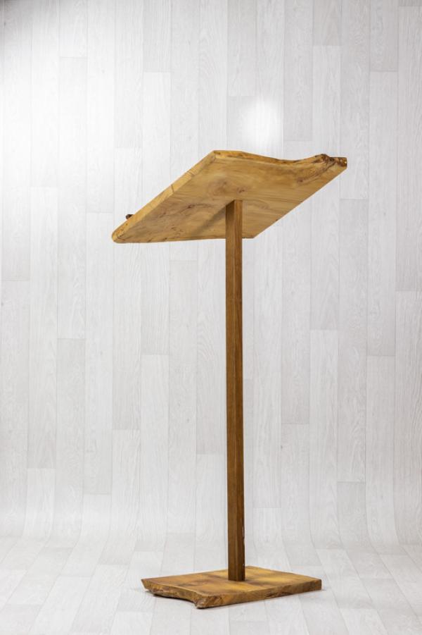 Pupitre de cérémonie en bois 1