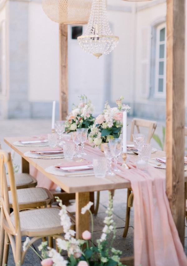 Table repas en bois brut