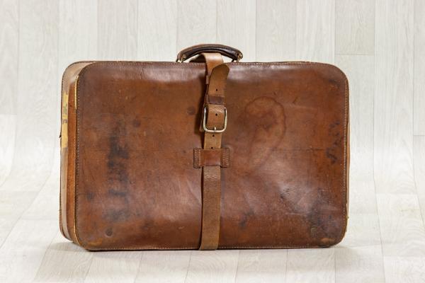 Vieille valise en cuir 1