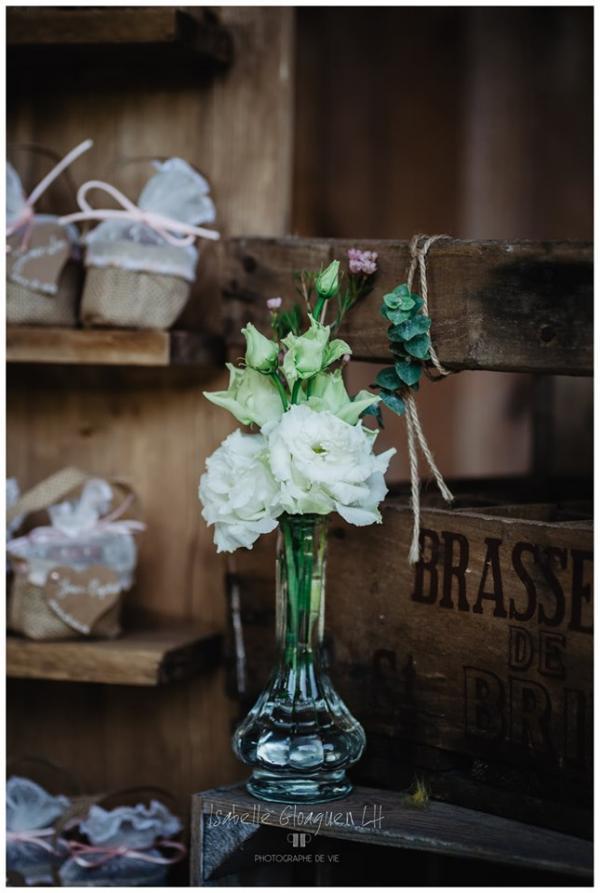 Vases striés allongés rétro
