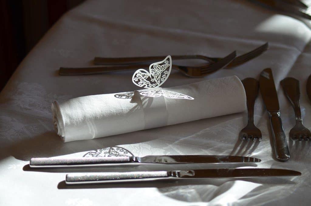 Mariage couverts papillon