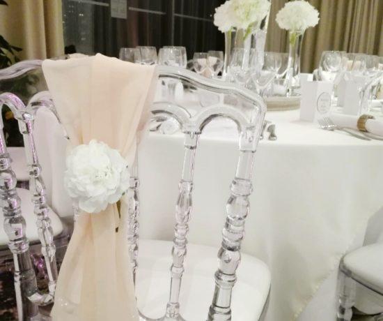 mariage_romantique_chic_bretagne_habillage_chaise